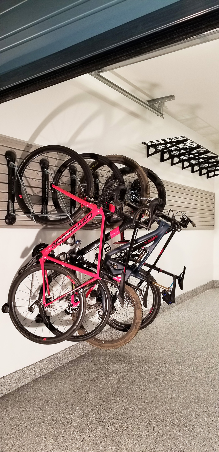 Garage_storewall_bike_red_Utah