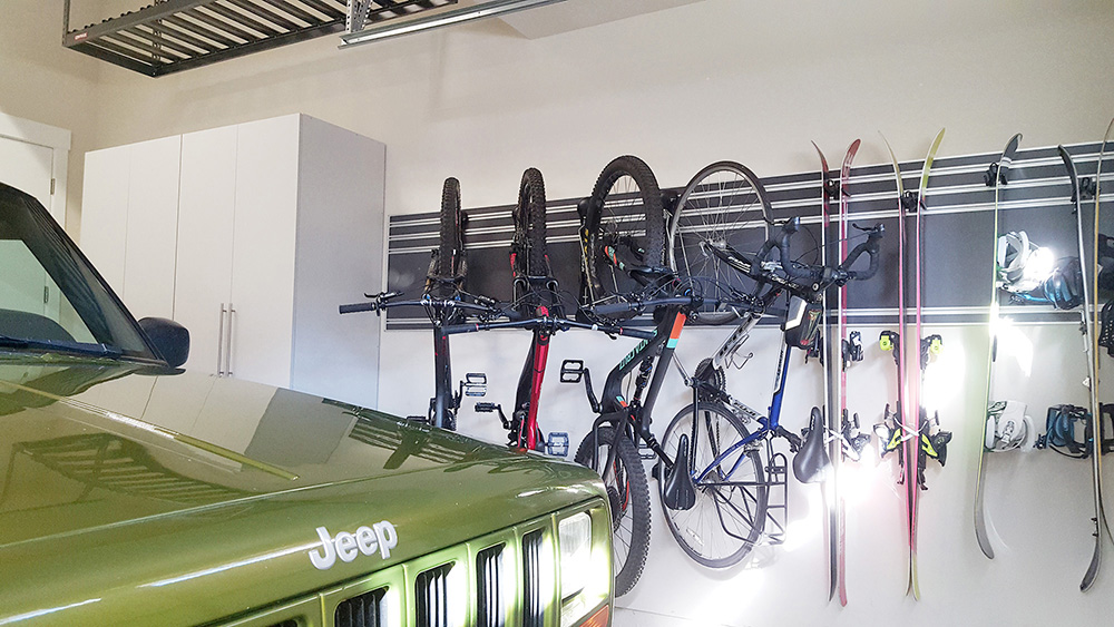 garage-white-cabinet-jeep-car